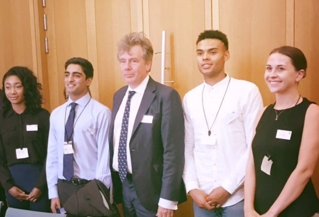 Apprentices give evidence to parliamentary inquiry