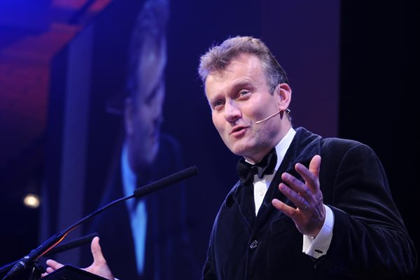 TV comedian Hugh Dennis confirmed for industry awards