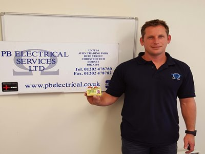 Electricians first to finish the new industry training scheme
